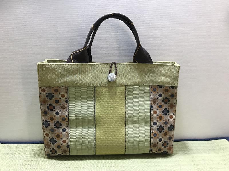 縁と畳表のバッグ��1